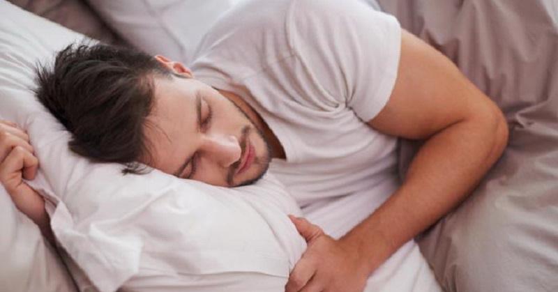 Hadis dan Sains Jelaskan Manfaat Tidur Miring ke Kanan