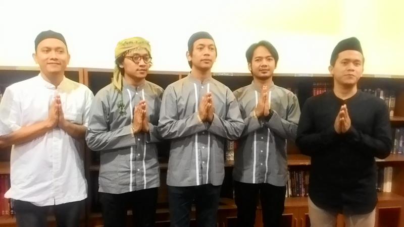 https: img-z.okeinfo.net content 2017 06 23 205 1723743 konsen-di-bidang-agama-d-masiv-hijrah-jadi-band-religi-irM69a906s.jpg