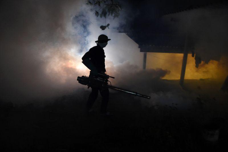 https: img-z.okeinfo.net content 2017 07 03 18 1727601 sri-lanka-kerahkan-ratusan-tentara-untuk-tangkis-nyamuk-demam-berdarah-LliwO3nwAE.jpg