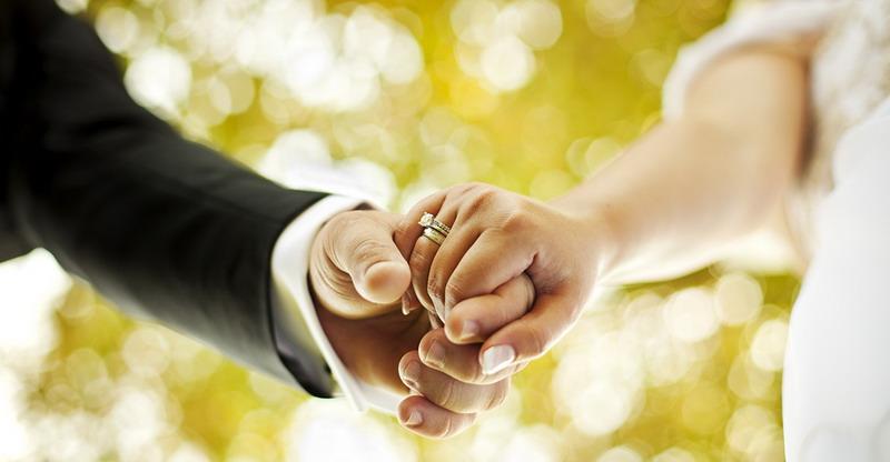 https: img-z.okeinfo.net content 2017 07 07 196 1731349 apakah-kebahagiaan-pernikahan-adalah-tanggung-jawab-istri-lJEqJNDk9V.jpg