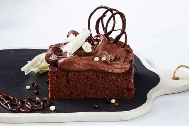 https: img-z.okeinfo.net content 2017 07 10 298 1732383 pop-sugar-seru-ajak-si-kecil-bikin-chocolate-crazy-cake-untuk-dessert-brARbC9pmO.jpg