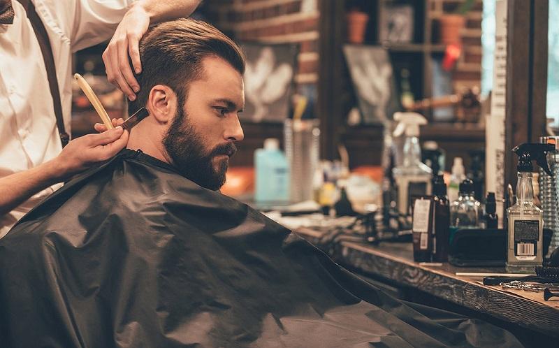 https: img-z.okeinfo.net content 2017 07 14 194 1736289 pria-modern-peduli-penampilan-alasan-barbershop-kian-menjamur-UmhM4QObtn.jpg