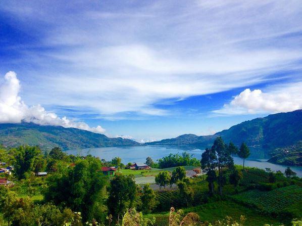 https: img-z.okeinfo.net content 2017 07 15 406 1736978 legenda-pertarungan-naga-vs-niniak-di-danau-kembar-sumatera-barat-0wJunddRv2.JPG