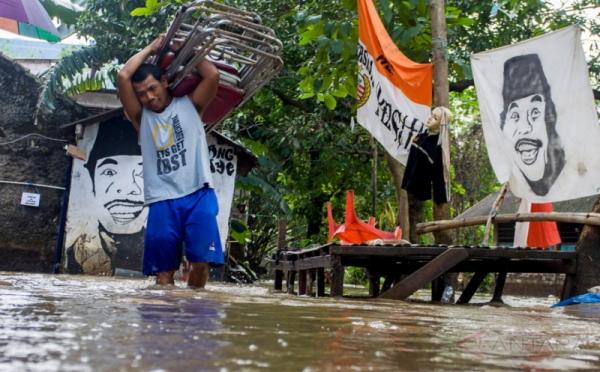 https: img-z.okeinfo.net content 2017 07 16 340 1737633 tolong-5-kecamatan-di-belitung-timur-terendam-banjir-GZqOvjZMOm.jpg