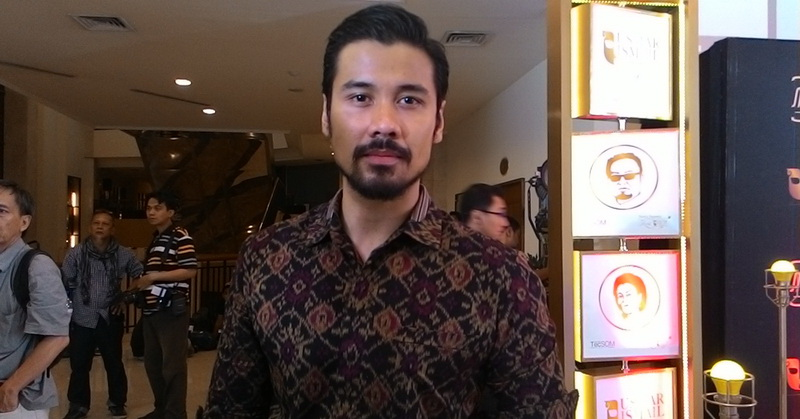 https img z.okeinfo.net content 2017 07 17 33 1737865 sukses di karier chicco jerikho akui ingin segera menikah dengan mikha tambayong i4ysG0BJVj.jpg