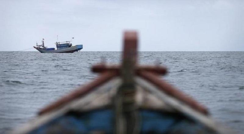 https: img-z.okeinfo.net content 2017 07 19 512 1739668 perahu-dihantam-ombak-nelayan-cilacap-dilaporkan-hilang-mIM0Zp4FRV.jpg