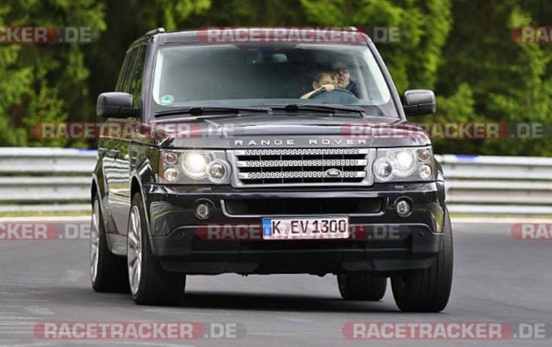 https: img-z.okeinfo.net content 2017 07 28 15 1745586 autos-viral-heboh-anak-nyetir-range-rover-di-sirkuit-nurburgring-h1NZAwrKqR.jpg