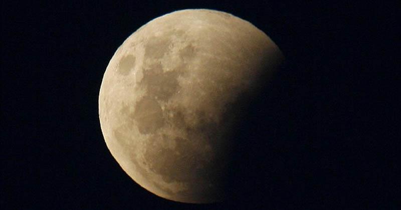 https: img-z.okeinfo.net content 2017 08 06 56 1750790 subhanallah-ini-penjelasan-hadits-soal-fenomena-gerhana-bulan-87v53c7fhK.jpg