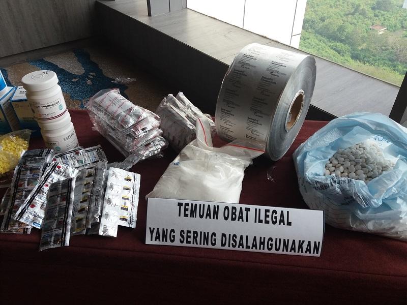 Obat ilegal di Toko Online
