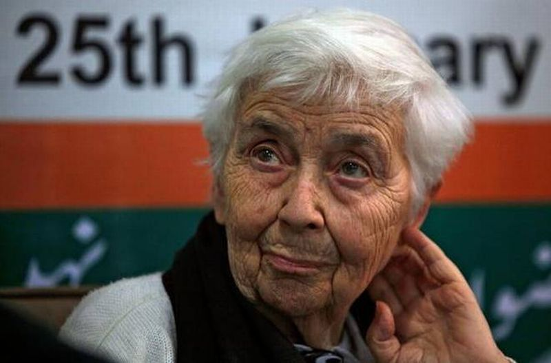 https: img-z.okeinfo.net content 2017 08 11 18 1753757 perempuan-yang-dapat-julukan-bunda-teresa-pakistan-tutup-usia-fKxbUSmMaE.jpg