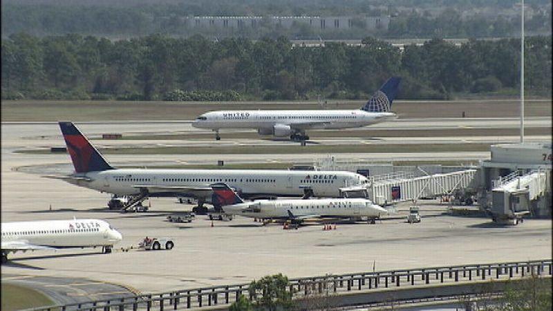 https: img-z.okeinfo.net content 2017 08 11 18 1753779 duuh-penerbangan-di-bandara-orlando-terhambat-akibat-toilet-kok-bisa-eAhOqZ1rr9.jpg