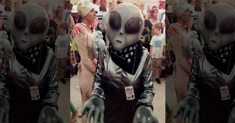 https: img-z.okeinfo.net content 2017 08 11 56 1754369 techno-of-the-week-dunia-diprediksi-berakhir-pada-oktober-2017-hingga-alien-menyamar-seperti-manusia-wvwwcHDL5x.jpg