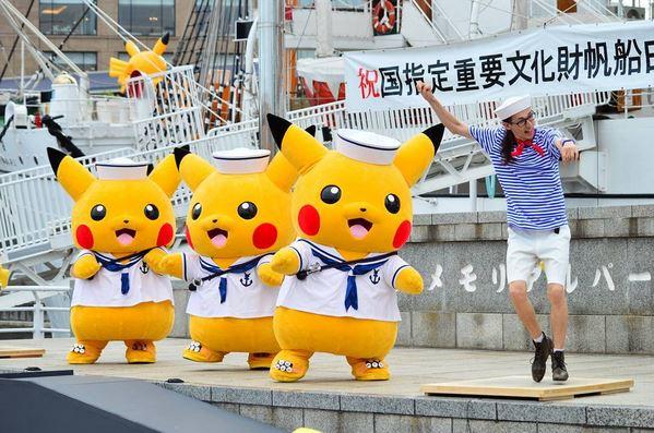 https: img-z.okeinfo.net content 2017 08 13 406 1755135 menggemaskan-puluhan-pikachu-diangkut-naik-kapal-mirip-adegan-film-dunkirk-UCkO0yHiGE.JPG