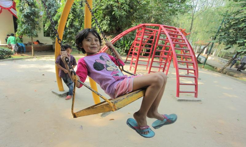 https: img-z.okeinfo.net content 2017 08 14 196 1755685 mengapa-anak-usia-4-6-tahun-lebih-suka-main-dengan-temannya-IN3naUm2Vj.jpg