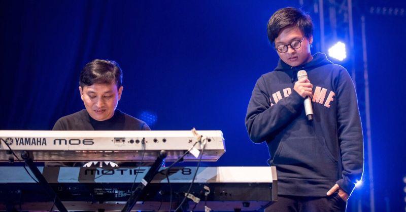 https: img-z.okeinfo.net content 2017 08 27 205 1764180 hindari-dompleng-nama-besar-yovie-widianto-jauhkan-arsy-dari-piano-c7hIpNlXKo.jpg