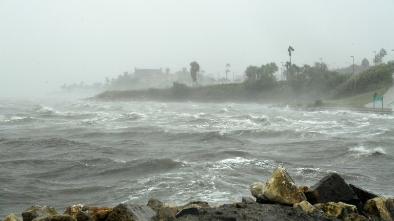 https: img-z.okeinfo.net content 2017 08 29 56 1765566 benarkah-perubahan-iklim-sebabkan-badai-harvey-nih-penjelasannya-rsYBHO3xhs.jpg