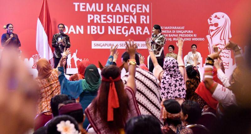https: img-z.okeinfo.net content 2017 09 07 18 1771042 perhatikan-temui-tki-di-singapura-jokowi-jaga-nama-baik-indonesia-DXzqM7vrvn.jpg
