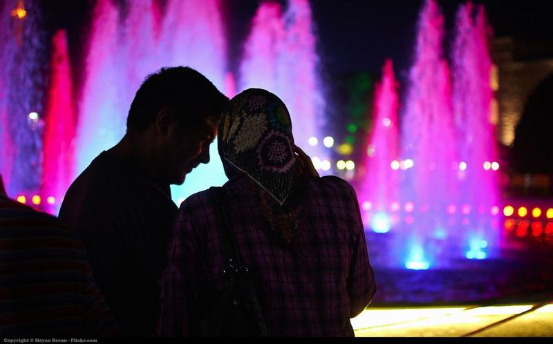 https: img-z.okeinfo.net content 2017 09 07 196 1771337 istri-menuntut-suami-kehidupan-mewah-allah-swt-tegur-di-surat-al-baqarah-Dx0ILoYKPc.jpg
