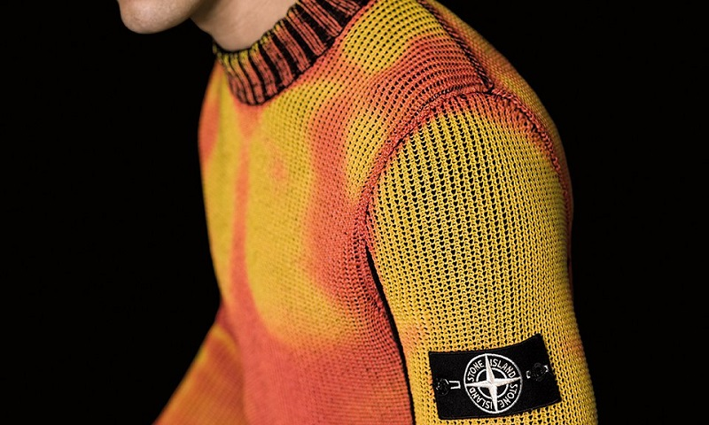 https: img-z.okeinfo.net content 2017 09 30 194 1786310 unik-ada-sweater-yang-bisa-berubah-warna-sesuai-cuaca-XcfTCxoDJP.jpg