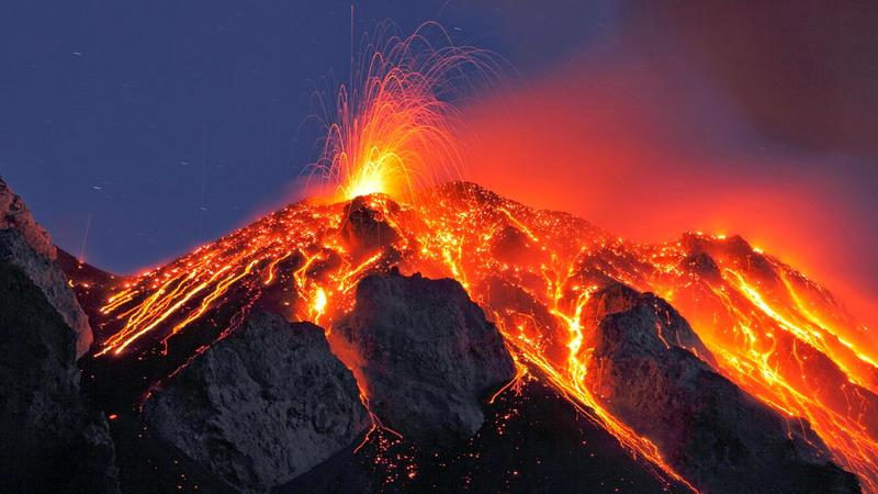 https: img-z.okeinfo.net content 2017 10 02 337 1787152 ada-5-gunung-api-paling-aktif-di-dunia-berikut-daftar-dan-faktanya-lJWKlgFYkT.jpg
