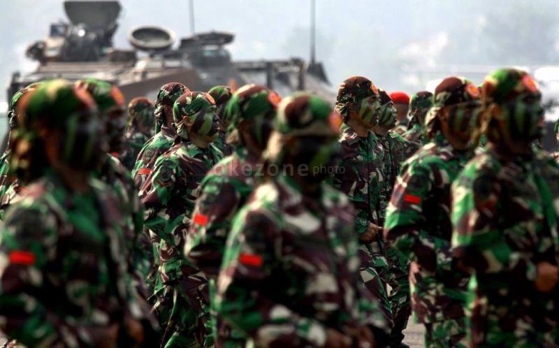 https: img-z.okeinfo.net content 2017 10 04 194 1788811 mengapa-seragam-tentara-indonesia-berwarna-hijau-dan-bercorak-loreng-ini-alasannya-VGssgIU3Jb.jpg
