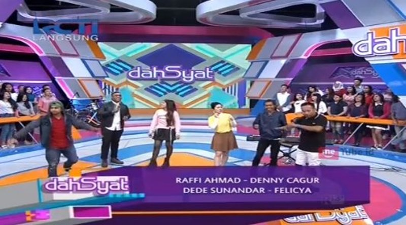 https: img-z.okeinfo.net content 2017 10 09 598 1791731 live-dahsyat-adakan-audisi-di-tempat-juri-indonesian-idol-9-loloskan-1-peserta-ke-audisi-jakarta-qCzN5J592L.jpg