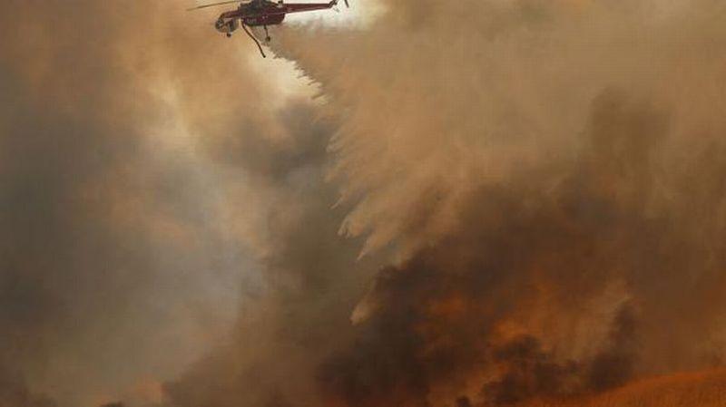 https: img-z.okeinfo.net content 2017 10 10 18 1792326 kebakaran-besar-di-california-memakan-10-korban-jiwa-dan-20-000-lainnya-harus-mengungsi-m9kmbRDiXt.jpg