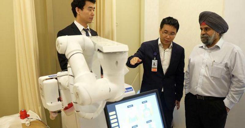https: img-z.okeinfo.net content 2017 10 10 56 1792921 canggih-robot-ini-mampu-memijat-seperti-tukang-pijat-profesional-2x8DkhtPZ2.jpg