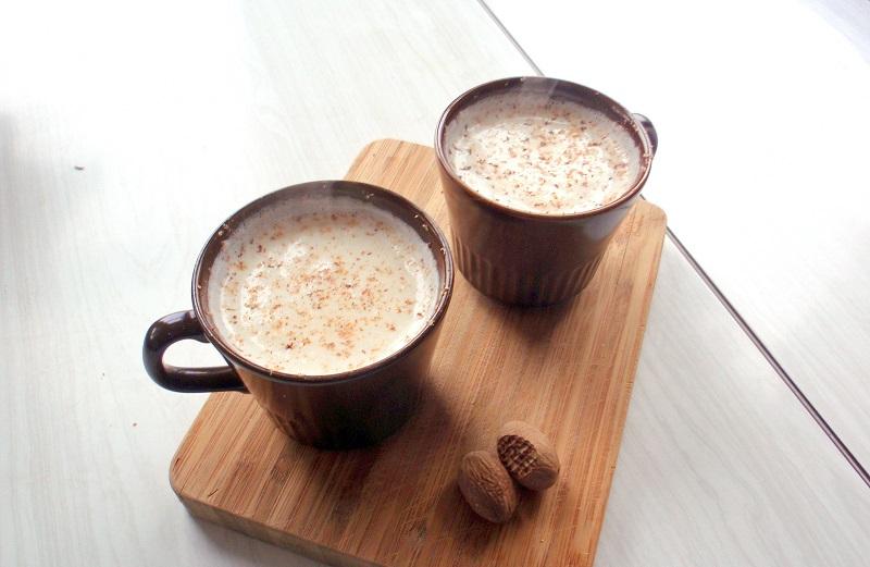 https: img-z.okeinfo.net content 2017 10 12 298 1794364 pop-sugar-hangatkan-tubuh-dengan-teh-susu-madu-hot-chocolate-dan-coconut-hot-coffee-simak-resepnya-berikut-ini-5pn9GJIgpV.jpg