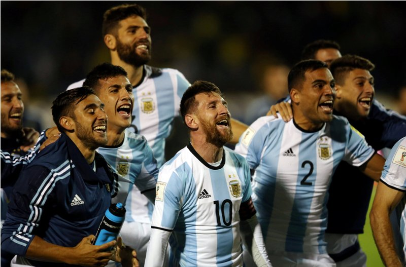 https: img-z.okeinfo.net content 2017 10 14 51 1795221 bawa-timnas-argentina-ke-piala-dunia-2018-simeone-messi-membuktikan-ia-yang-terbaik-di-dunia-QJJOHvEs8j.JPG