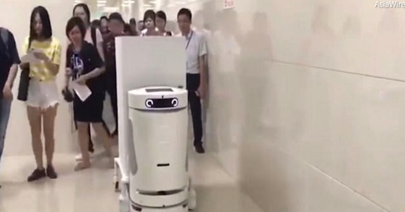 https: img-z.okeinfo.net content 2017 10 14 56 1795479 unik-rs-di-china-punya-robot-suster-nih-penampakannya-1QlOFqzPfF.jpg