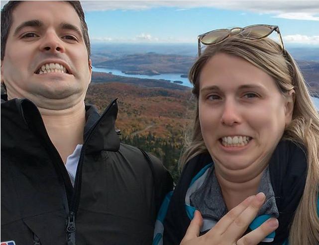https: img-z.okeinfo.net content 2017 10 17 194 1796847 punya-lipatan-dagu-pamerkan-double-chin-kini-jadi-tren-selfie-kekinian-ictmiW99MP.jpg