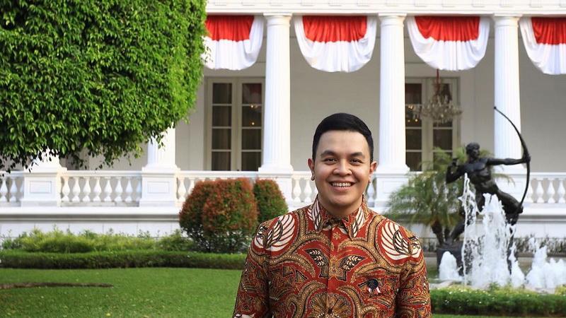 https: img-z.okeinfo.net content 2017 10 20 33 1799057 keren-tulus-terpilih-jadi-duta-persahabatan-indonesia-jepang-XDHxDIRINL.jpg