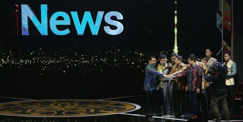 https: img-z.okeinfo.net content 2017 11 01 337 1806250 makin-dekat-dengan-pemirsanya-inews-tayang-melalui-4-program-tv-berita-nasional-WpuV6Ir2La.jpg