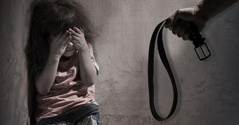 https: img-z.okeinfo.net content 2017 11 06 340 1808938 selama-10-bulan-polisi-tangani-47-kasus-pemerkosaan-anak-kdrt-Yv2WE95w05.jpg