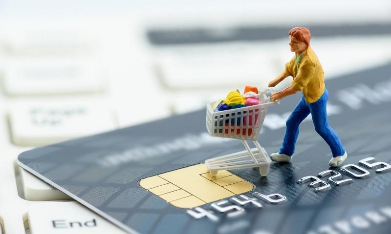 https: img-z.okeinfo.net content 2017 11 08 320 1810733 efek-kecanduan-kartu-kredit-tak-bisa-menahan-hasrat-belanja-hingga-terlilit-utang-u9QMVkek3v.jpg
