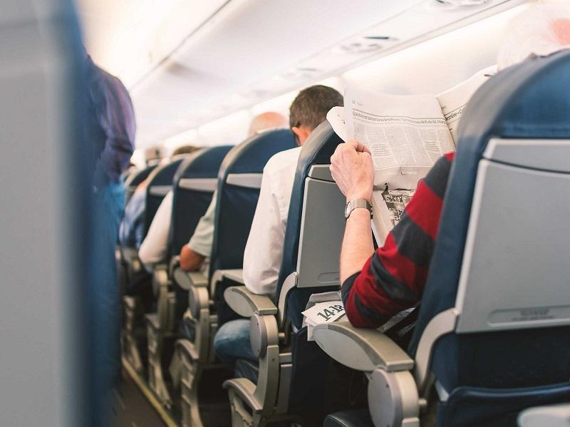 https: img-z.okeinfo.net content 2017 11 10 481 1812225 gawat-duduk-terlalu-lama-di-kursi-pesawat-bisa-sebabkan-aliran-darah-ke-paru-paru-terganggu-ZKitTEyTWR.jpg
