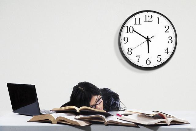 https: img-z.okeinfo.net content 2017 11 11 65 1812411 nih-5-alasan-menurunnya-produktivitas-kerja-f3MVHJWjSe.jpg
