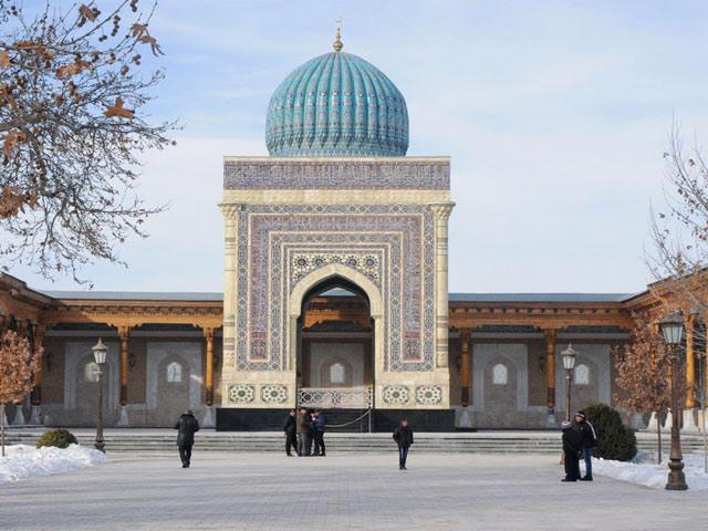https: img-z.okeinfo.net content 2017 11 12 406 1812637 cerita-di-balik-hidupnya-mausoleum-imam-bukhori-di-uzbekistan-berkat-jasa-bung-karno-P9PC4Ucs4S.jpg