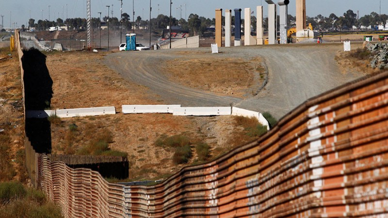 https: img-z.okeinfo.net content 2017 11 14 18 1813911 dokumen-rencana-proyek-tembok-perbatasan-as-meksiko-bocor-ini-isinya-dFw5qFsGiP.jpg