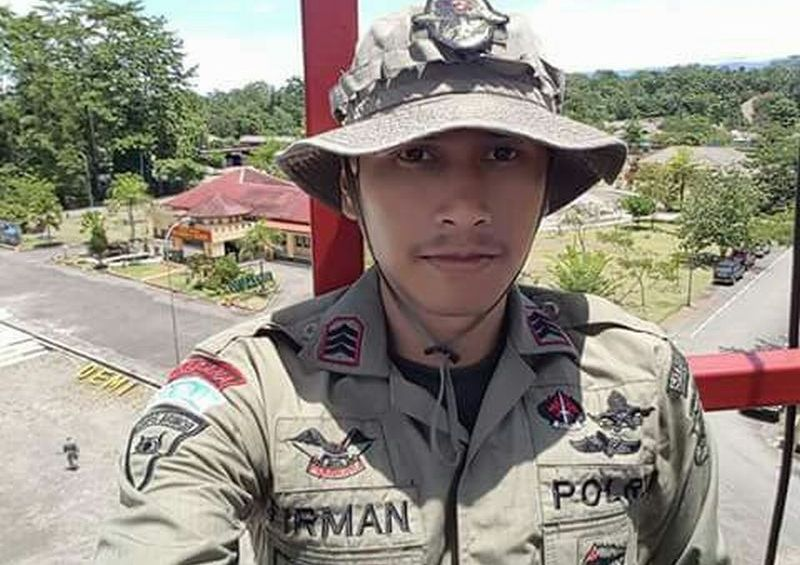 https: img-z.okeinfo.net content 2017 11 15 340 1814274 2-anggota-brimob-yang-tertembak-kkb-papua-sedang-patroli-di-wilayah-mile-69-07i5ZxFHv0.jpg