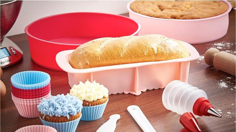 https: img-z.okeinfo.net content 2017 11 16 298 1815390 5-tips-bersihkan-peralatan-kue-berbahan-silikon-2cfHZllYWW.jpg