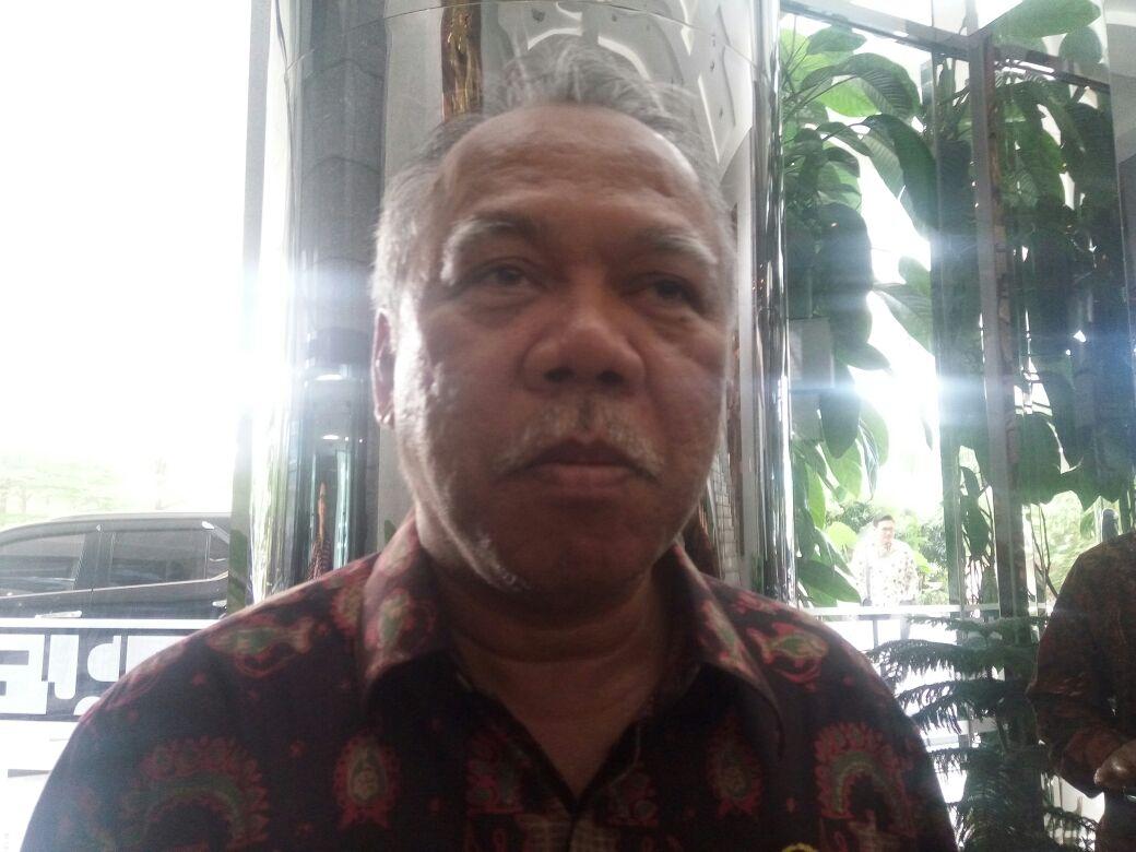 https: img-z.okeinfo.net content 2017 11 17 320 1815829 kondisinya-kritis-menteri-pupr   -prioritaskan-pemulihan-danau-tondano-di-sulawesi-utara-YNtWxs68Iw.jpg