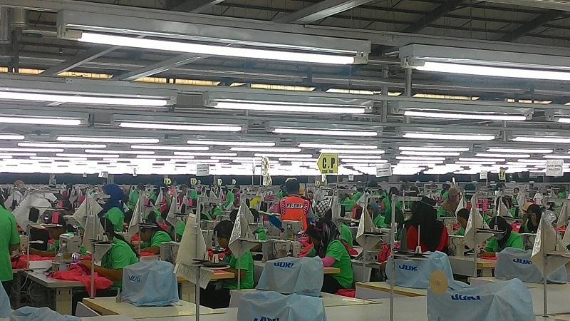 https: img-z.okeinfo.net content 2017 11 17 320 1815940 konsensus-asean-ri-sepakat-selamatkan-pekerja-ilegal-jadi-legal-9IzyoSKMjz.jpg