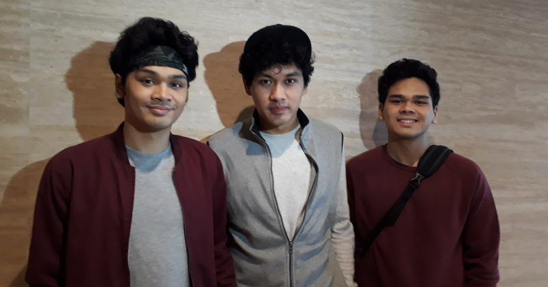 https: img-z.okeinfo.net content 2017 11 21 205 1817809 jadi-pengisi-soundtrack-film-the-overtunes-girang-bukan-main-CLJb27mUc1.jpg