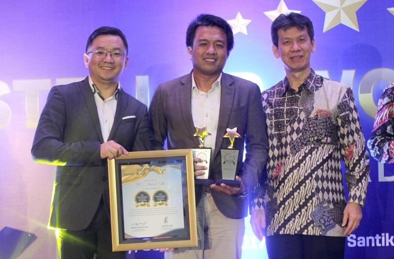 https: img-z.okeinfo.net content 2017 11 21 54 1817936 sukses-tingkatkan-employee-engagement-indosat-ooredoo-raih-stellar-workplace-award-2017-HZ7ujo4pxs.jpg