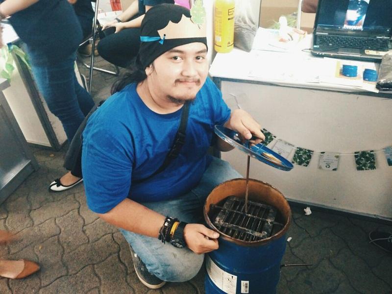 https: img-z.okeinfo.net content 2017 11 24 65 1820071 eco-compost-bin-tong-sampah-karya-mahasiswa-yang-bisa-hasilkan-pupuk-kompos-DhsEktHYex.jpg