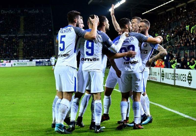 https: img-z.okeinfo.net content 2017 11 26 47 1820658 menang-3-1-inter-puncaki-klasemen-sementara-liga-italia-rLEKJuWm9L.jpg
