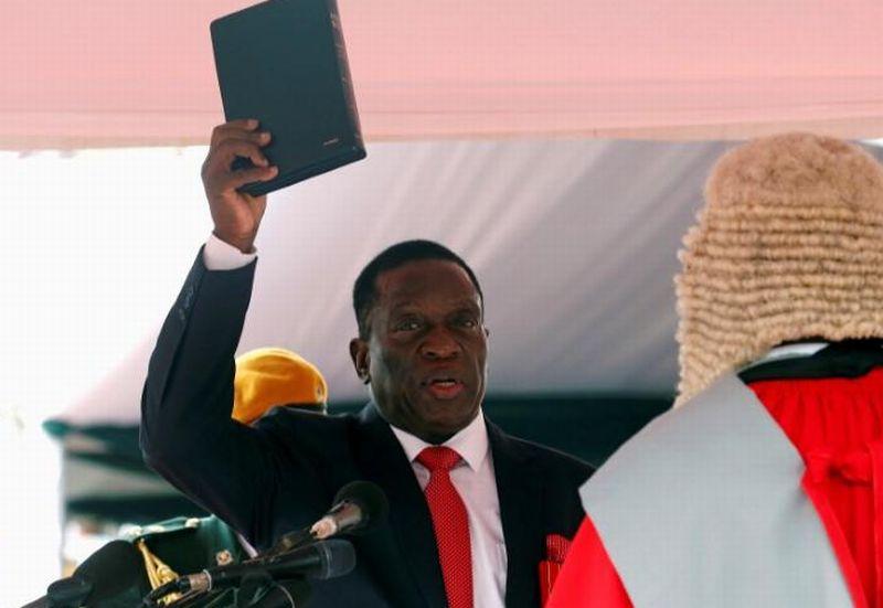 https: img-z.okeinfo.net content 2017 12 01 18 1823692 presiden-baru-zimbabwe-tunjuk-pejabat-militer-senior-untuk-duduki-kursi-menteri-q1mRUxxUpp.jpg
