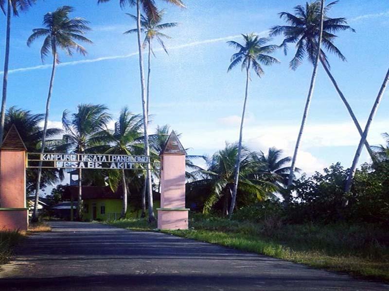 https: img-z.okeinfo.net content 2017 12 06 406 1826135 ternyata-kampung-penakluk-lautan-ada-di-indonesia-tepatnya-di-kampung-panglong-6nQIBeo9jS.jpg